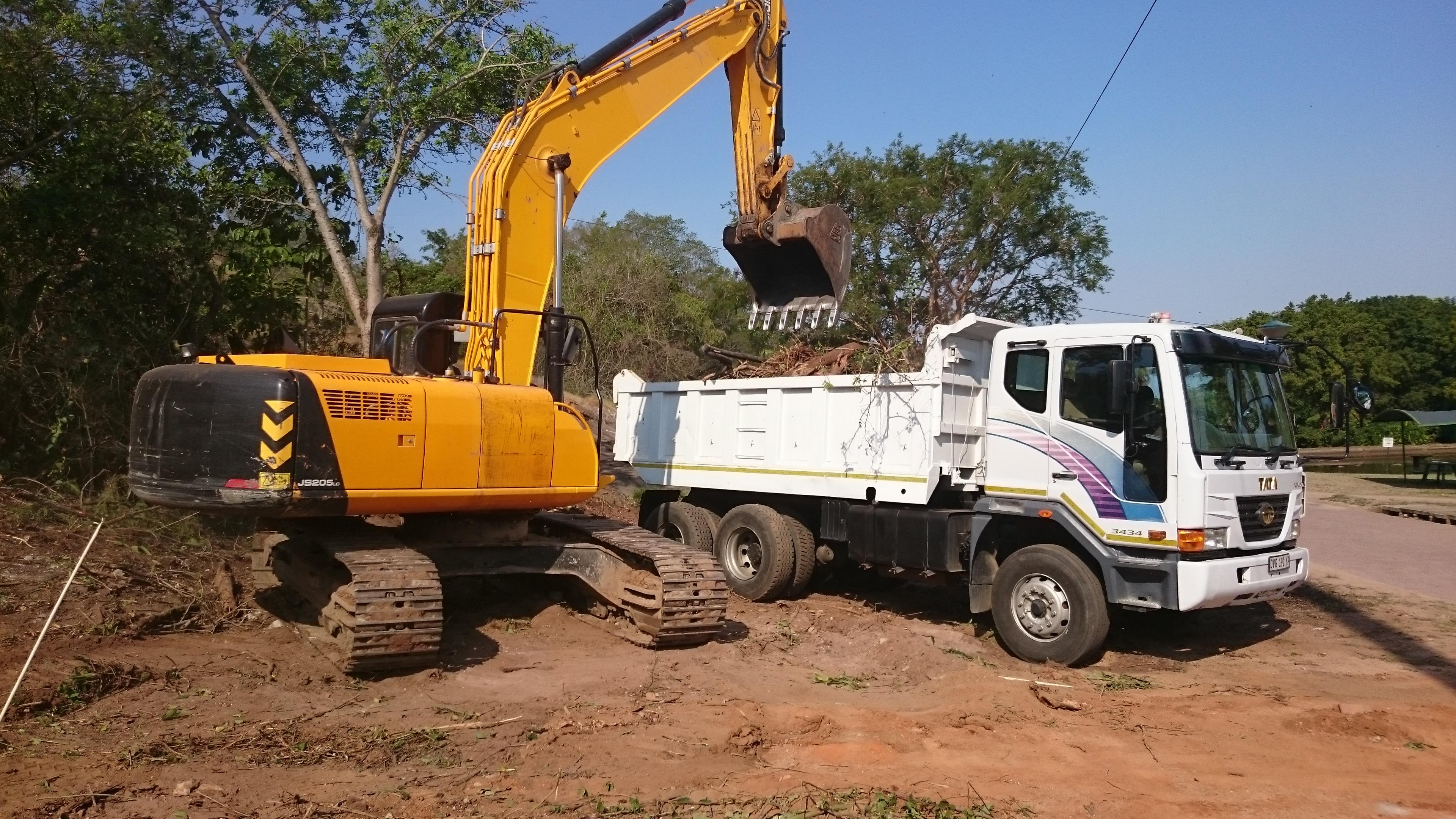 Excavators for hire komatipoort