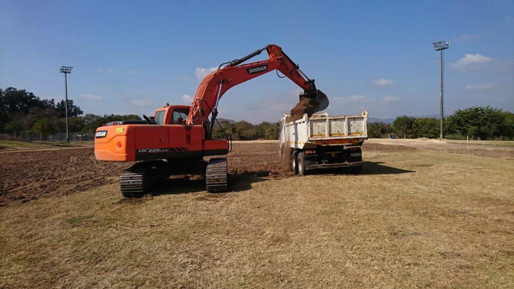 Excavators for hire rocky drift